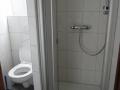 Douche met wc,beneden